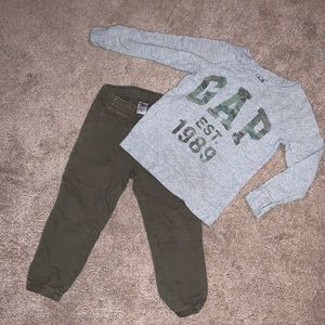 Boys size 4T/4 Carter's and GAP set